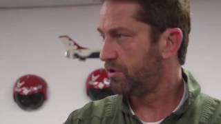 Gerard Butler Flies With The U S  Air Force Thunderbirds Джерард Батлер США Авиа войска