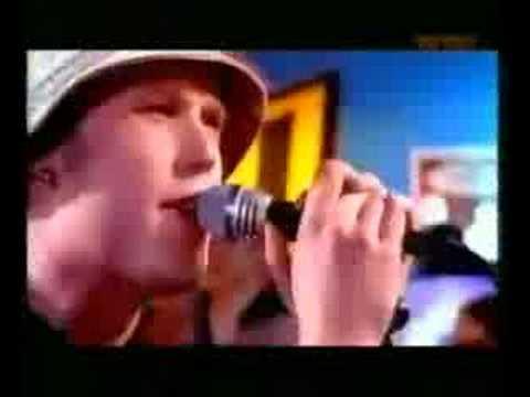 FTK - Jätä minut rauhaan (live)