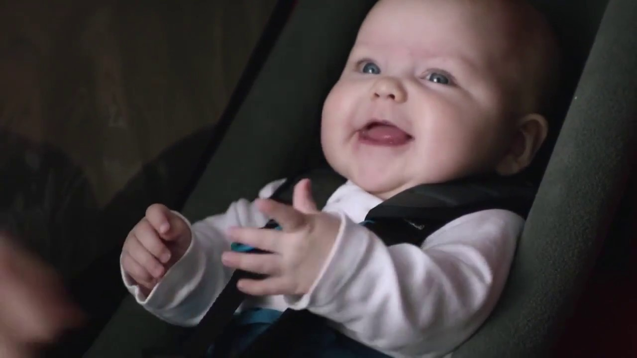6ed91bfad3a Thule Chariot Infant Sling Demonstration - YouTube