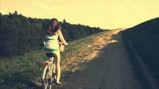 Pianismo - จักรยานคันเก่ากับร่มคันเดิม
