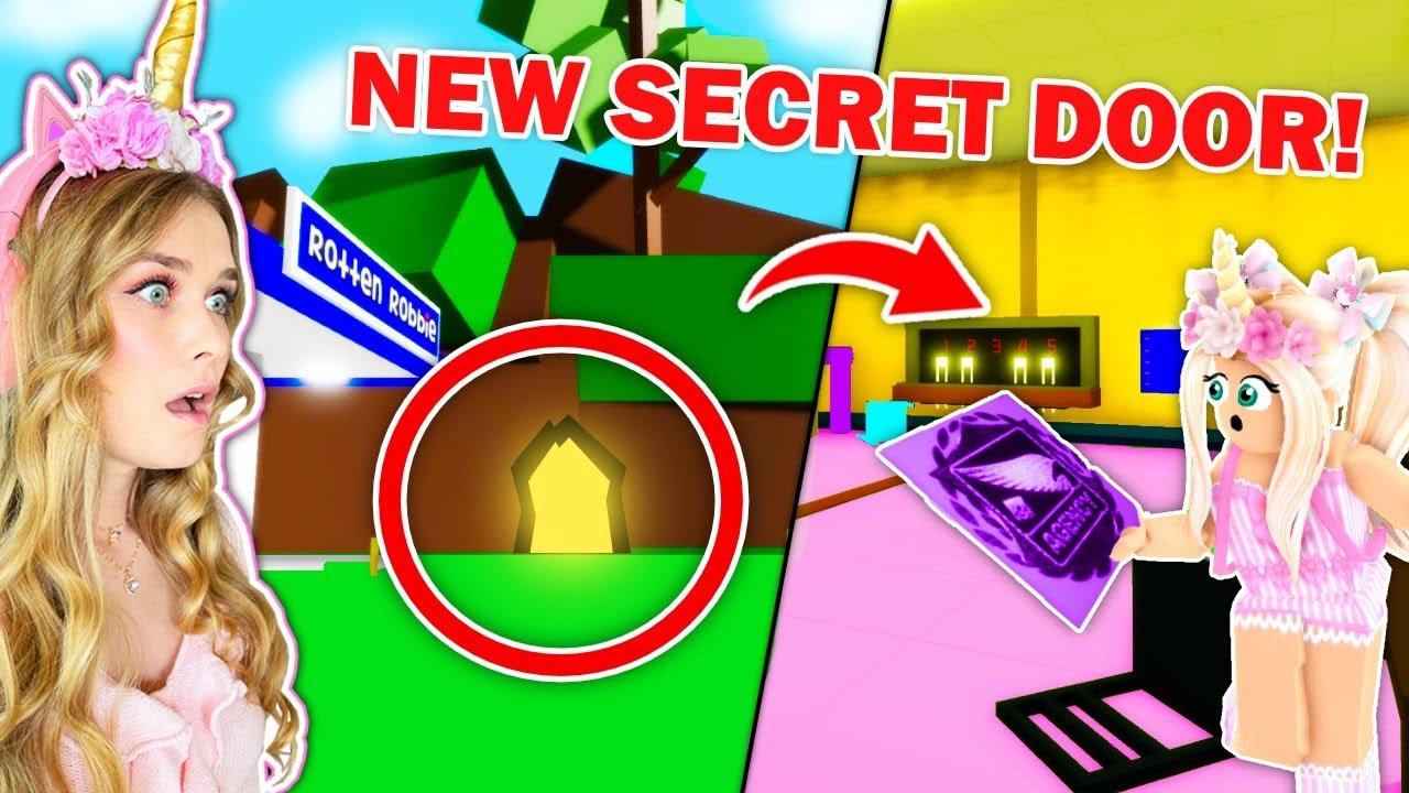 Download I Found BROOKHAVENS *SECRETS* In New SECRET CAVE! (Roblox)