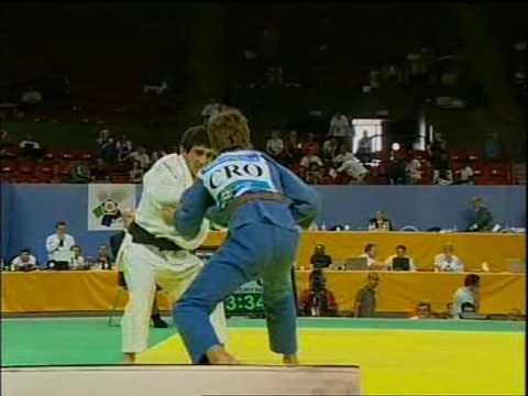 Judo 2009 Yerevan.Azinovic(CRO)-Mkrtchyan (ARM) [-55kg].