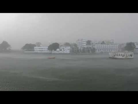 Monsoon rains in Udaipur (19/06/2016)