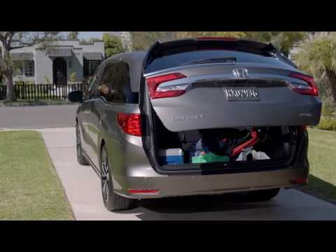Honda Odyssey 2017 >> How to Activate the Power Tailgate Hands-Free – 2018 Honda Odyssey - YouTube