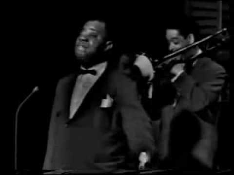 Louis Armstrong- A Kiss To Build A Dream On [1962] Live