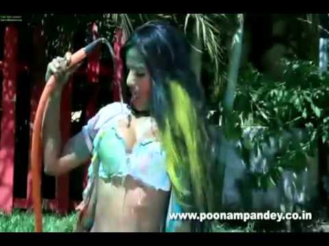 Poonam Pandey Hot Holi Dirty Play