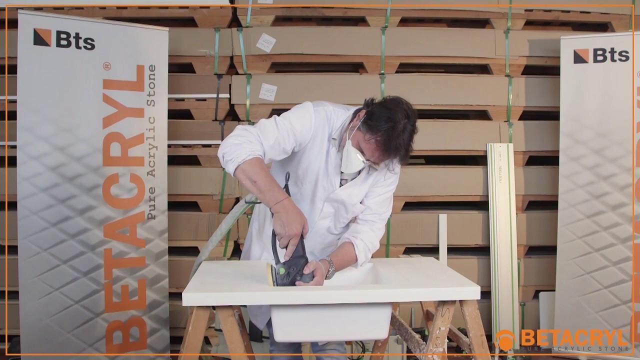 Betacryl Pure Acrylic Stone 07 installation du gouffre et le collage de la cuve relativement