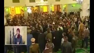 أهالى أسوان يرحبون بالرئيس السيسي عقب صلاة الجمعة بالمسجد الجامع