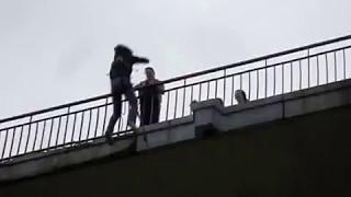 Невероятный прыжок!! Получила оргазм в полете!