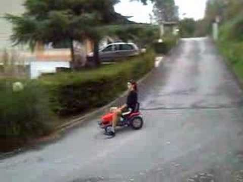 Motozappa team derapata con trattore youtube for Motozappa youtube