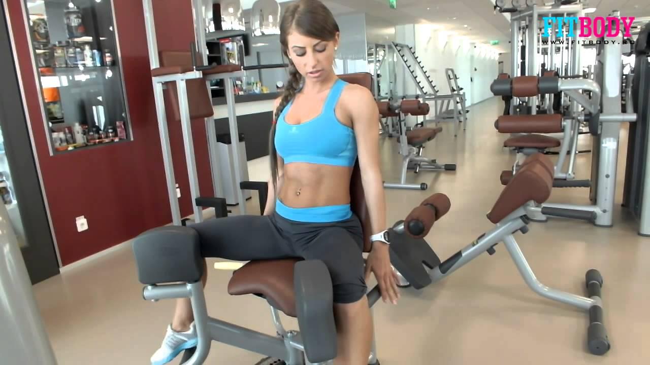 exercitii pentru picioare sala femei