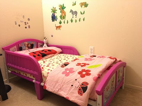 What size sheets fit a toddler bed