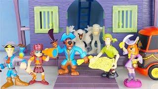 Scooby Doo - Unboxing del Forte dei Pirati con i personaggi [Apertura gioco in italiano]