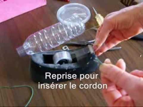 La marylou bouteille mangeoire d 39 oiseaux youtube - Distributeur de graines pour oiseaux ...