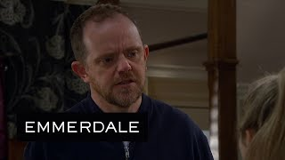 Emmerdale Dan Breaks Down In Front of Amelia