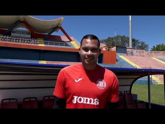 El Gullit Peña saluda a sus seguidores en México y Estados Unidos