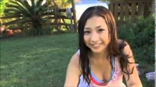 日本の女の子セクシーなビキニ、標準設計で、美しい顔、美しい美乳 ロマ...