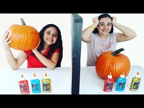 Slime Por Telepatía dentro de una CALABAZA de Halloween | Twin telepathy slime challenge