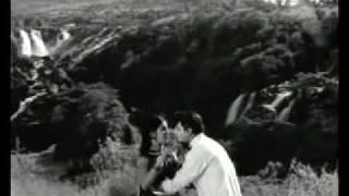 Manjula Naada Kiviyali Irali - Yaava Janmada Maithri (1972) - Kannada
