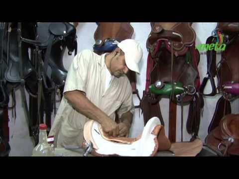 Fabricaci n artesanal de silla para caballo youtube for Sillas para caballos