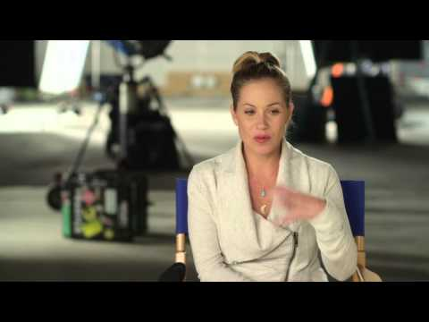 """Vacation: Christina Applegate """"Debbie Griswold"""" Behind the Scenes Movie Interview"""