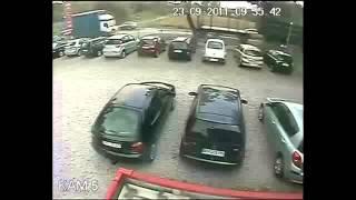 Repeat youtube video 車が大破した死亡事故の瞬間。ドライブレコーダー