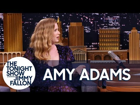 Amy Adams Uses Her Mom Voice on Red Carpets and the Sharp Objects Set