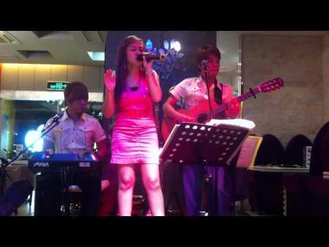 Jenn sings