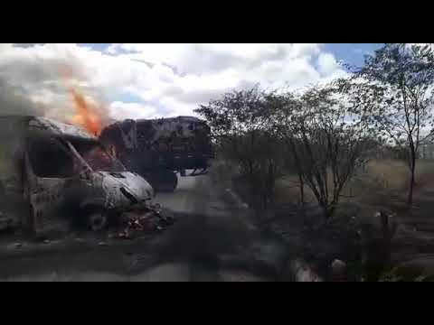 Bandidos explodem carro forte no Seridó