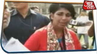 TMC Party Workers Attacks Retired IPS Officer And BJP Candidate Bharti Ghosh !