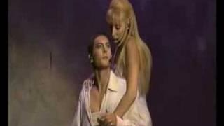 La cavalcatura Notre dame de paris(video sensuale dello spettacolo notre adme de paris., 2008-07-24T11:06:20.000Z)