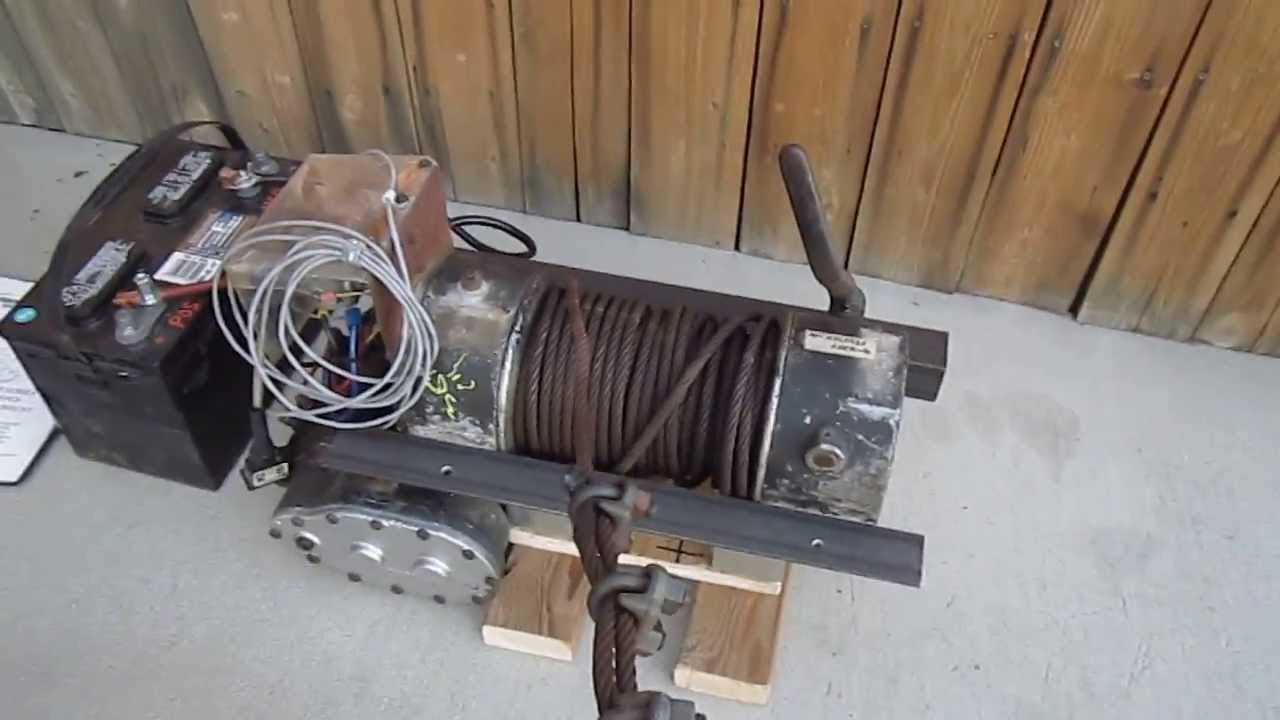 ramsey dc 200 8000 lb winch 12 vdc in operation youtube rh youtube com ramsey winch wiring schematic old ramsey winch wiring