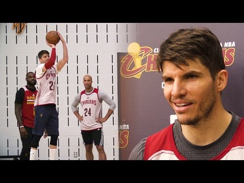 "Kyle Korver participates in his first shoot-around in Cleveland, ""It's a quick, dramatic change"""