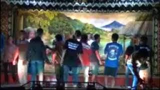 "Video Keributan di panggung sandiwara ""LINGGA BUANA"" download MP3, 3GP, MP4, WEBM, AVI, FLV November 2018"