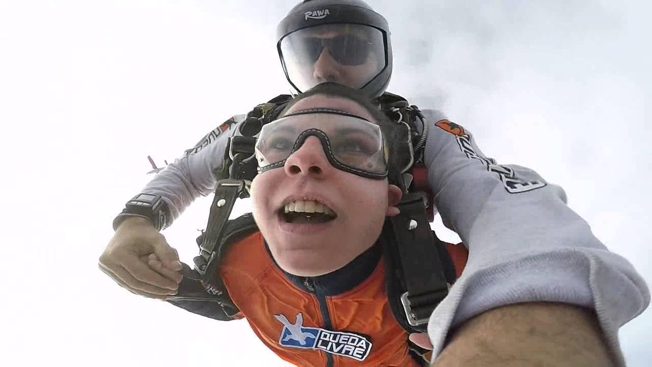 Salto de Paraqueda da Maria Caroline na Queda Livre Paraquedismo 29 07 2016