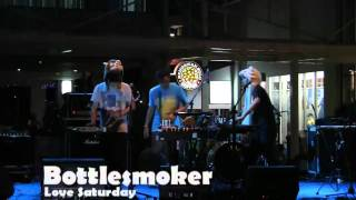 Bottlesmoker - Love Saturday ( Live at Teraskustik TeraskotaBSD Anniversary )