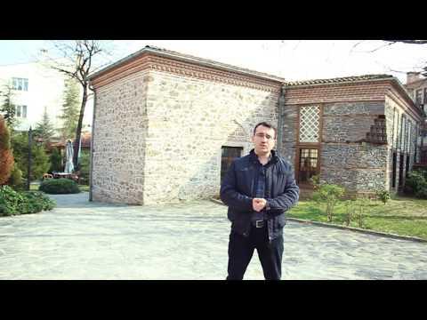Haraçcıoğlu Medresesi: Bursa Merkezinde Güzel Bir Dinlenme Mekanı