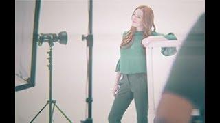 Lindsay Lohan Backstage with Lawyer.com thumbnail