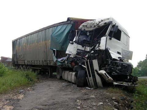 #10 Аварии грузовиков на регистратор 2015 - Best truck crashes , truck accident compilation 2015
