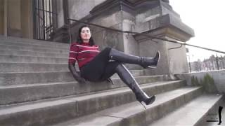 Preview Bettie in Highheel Boots and leather Gloves in Berlin