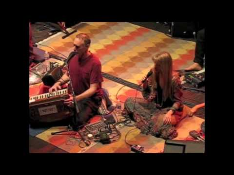 Krishna Das and Deva PremalMere Guru Dev w/lyrics Webster Hall NYC