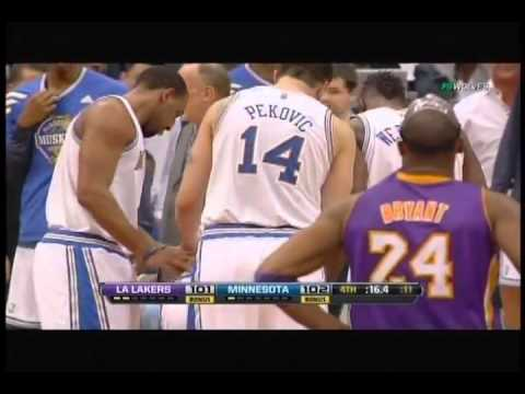Ricky Rubio suffers knee injury defending Kobe Bryant, helped off court Lakers at Timberwolves