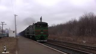 Тепловоз 2ТЕ10М з вантажним потягом, Черкаси / Freight train, Cherkasy
