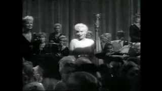 Some Like It Hot:I wanna be love by you─Marilyn Monroe