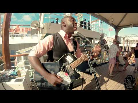 R. KELLY - Ignition remix (Guitaro 5000 cover, at a cruise ship party)