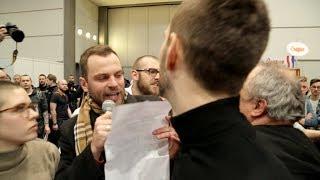 Leipziger Buchmesse: Aktivist*innen konfrontieren rechte Verlage mit Meinungsfreiheit