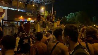 Reggiana in Serie B, la gioia dei tifosi granata fuori dallo stadio Città del Tricolore