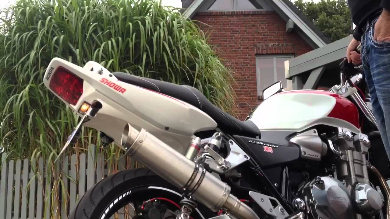 honda cb 1300 streetfighter iii auspuff youtube. Black Bedroom Furniture Sets. Home Design Ideas