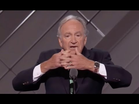 Tom Harkin Uses ASL during DNC (7.26.16)