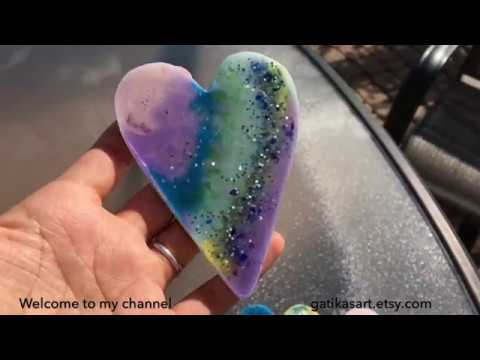 Resin Art - Heart Magnet, Sparkly heart, Made of Alcohol inks